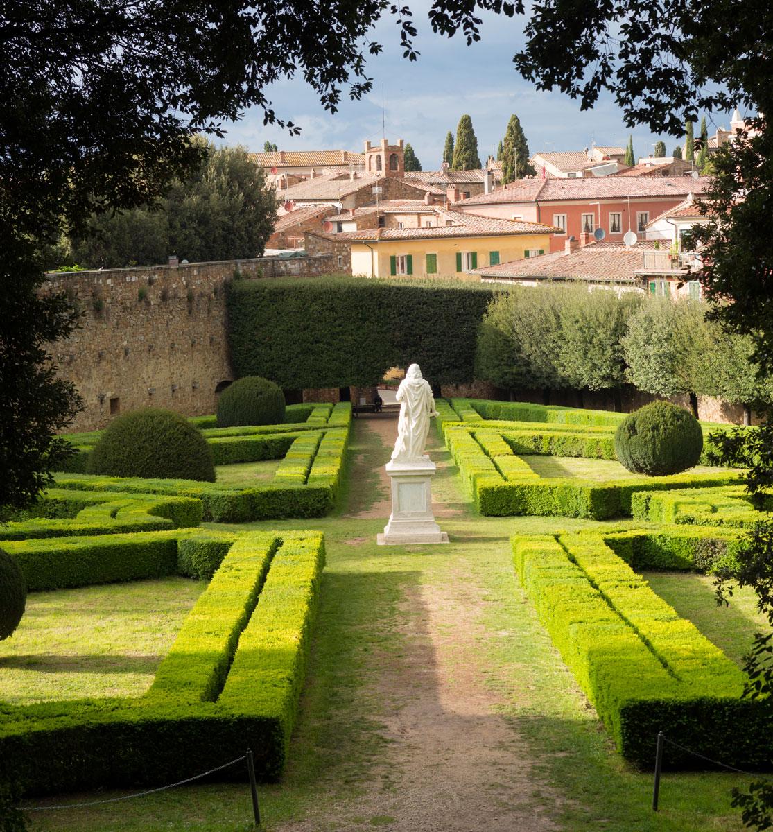 Rassegna d'arte contemporanea, horti leonini san Quirico d'orcia, hprti leonini, giardino del cinquecento